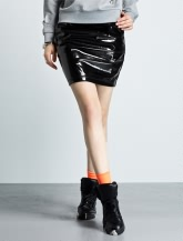 MG秋季专柜新品黑色漆皮短裙